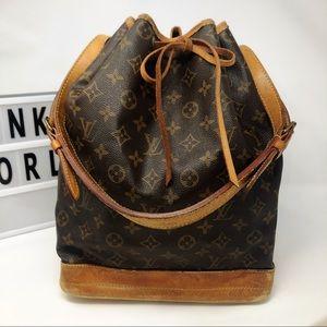 Louis Vuitton Noe monogram large bucket bag